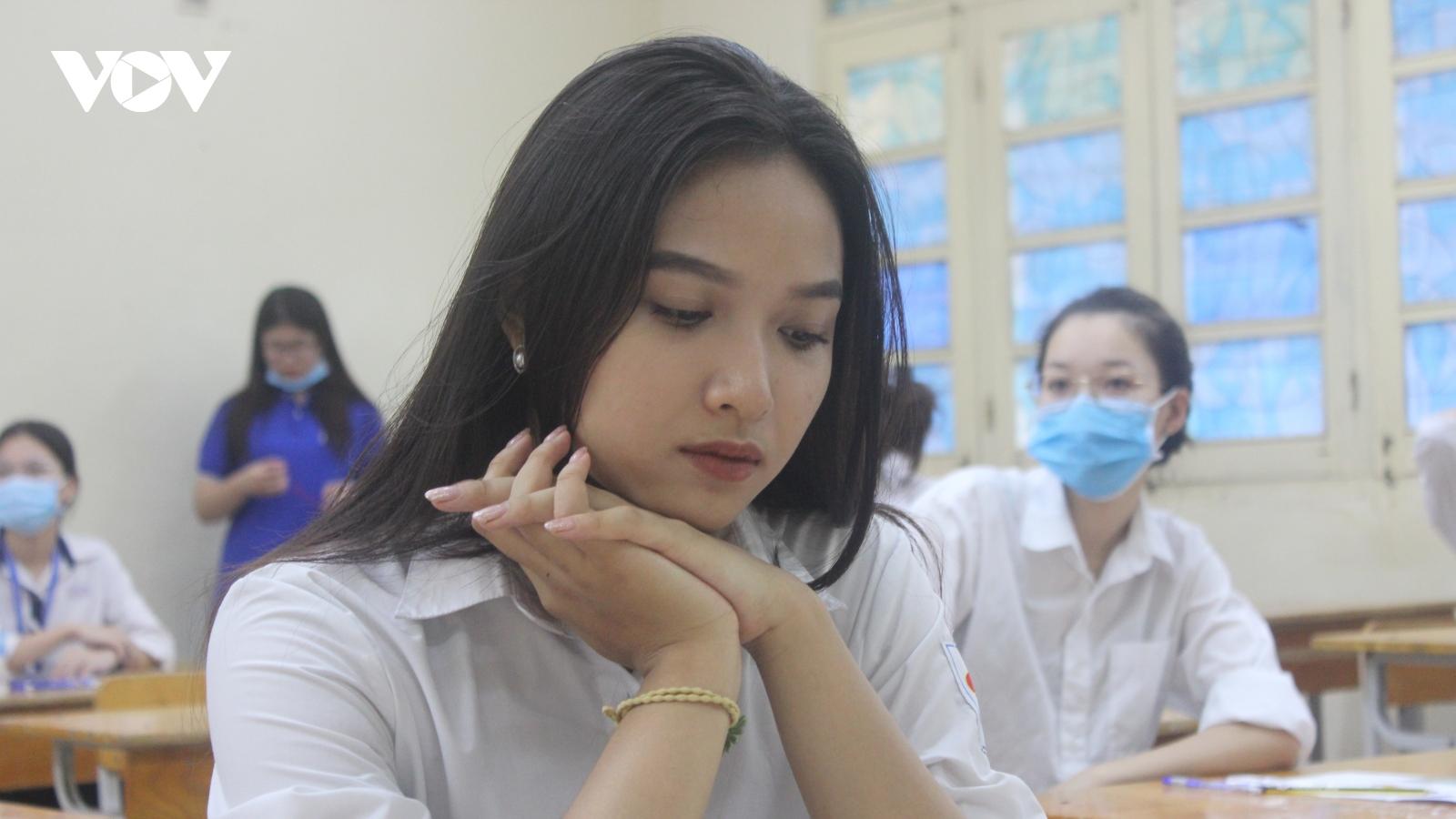 Quy định mới về tuyển sinh lớp 10 ở Hà Nội có làm khó thí sinh?