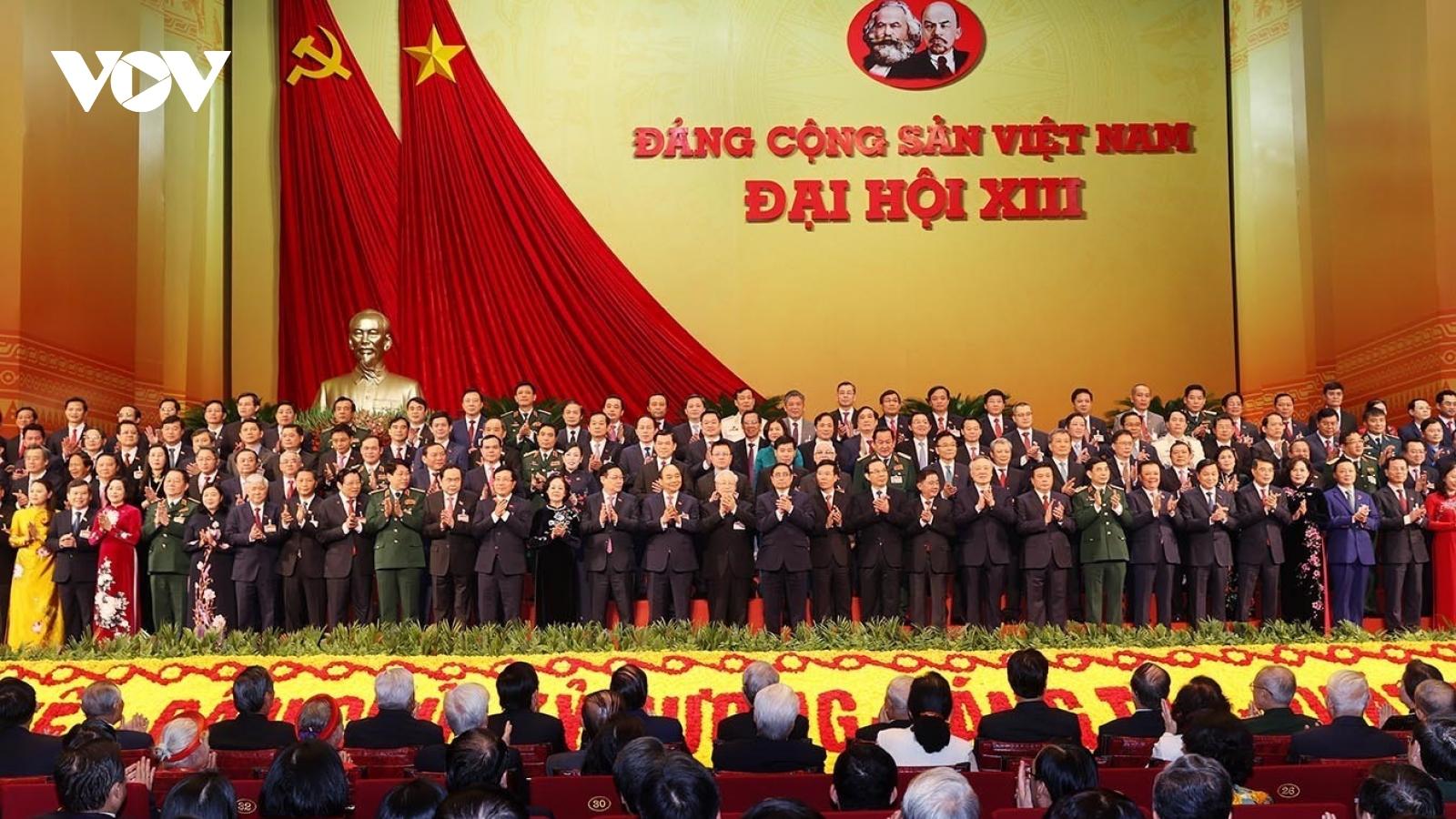 Nhân dân trông mong đội ngũ rường cột tự trọng và kiêu hãnh!