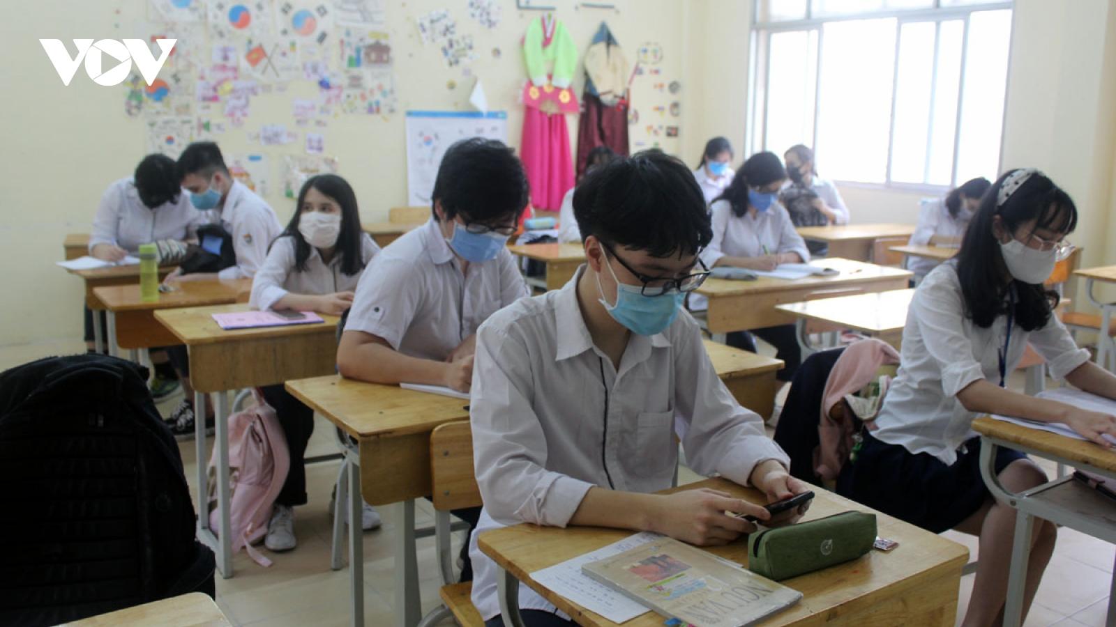 Nhiều trường ĐH chuyển sang học, chấm khóa luận tốt nghiệp online để phòng dịch