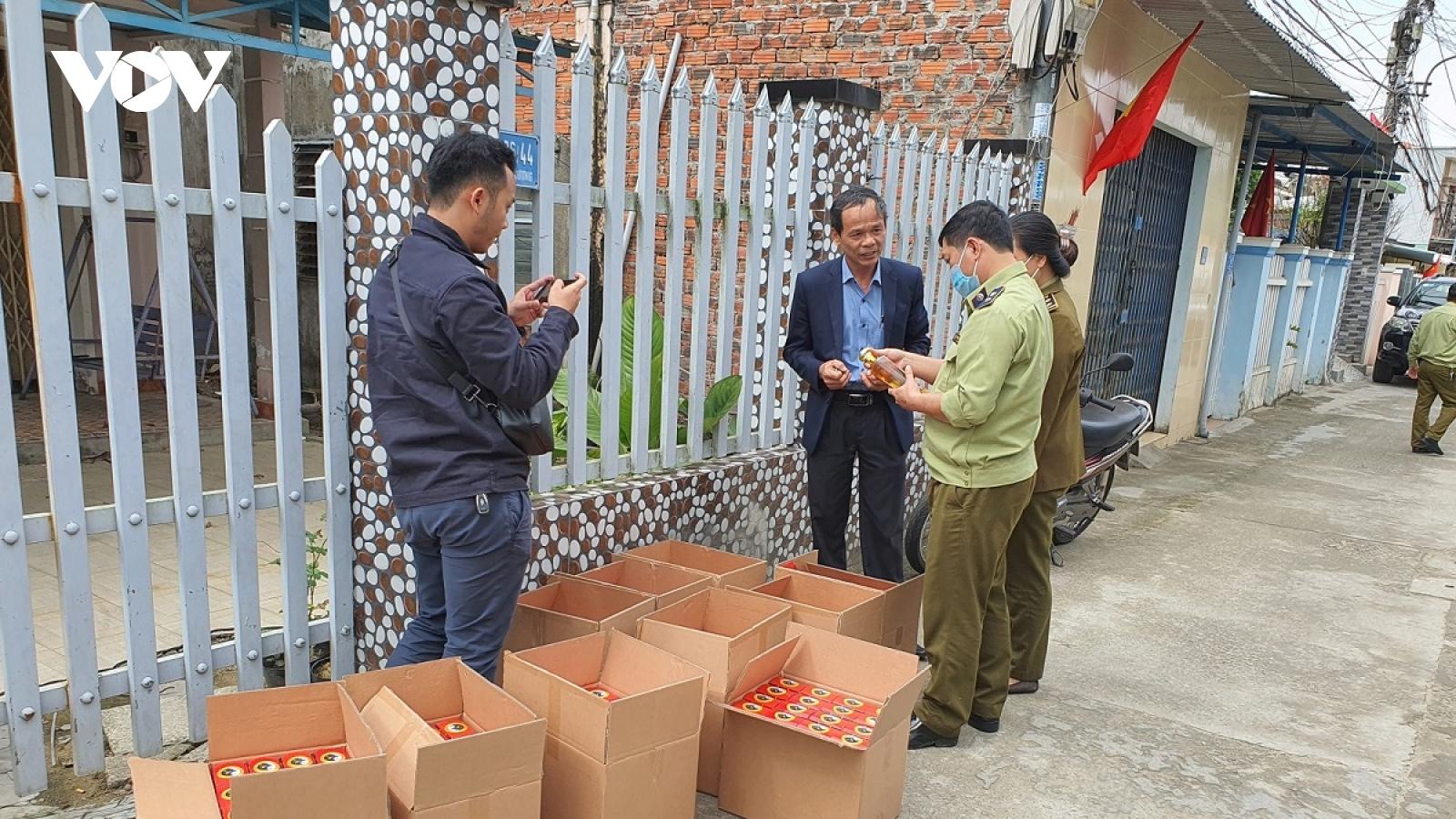 Tạm giữ hơn 160 chai rượu sâm Ngọc Linh không chứng từ