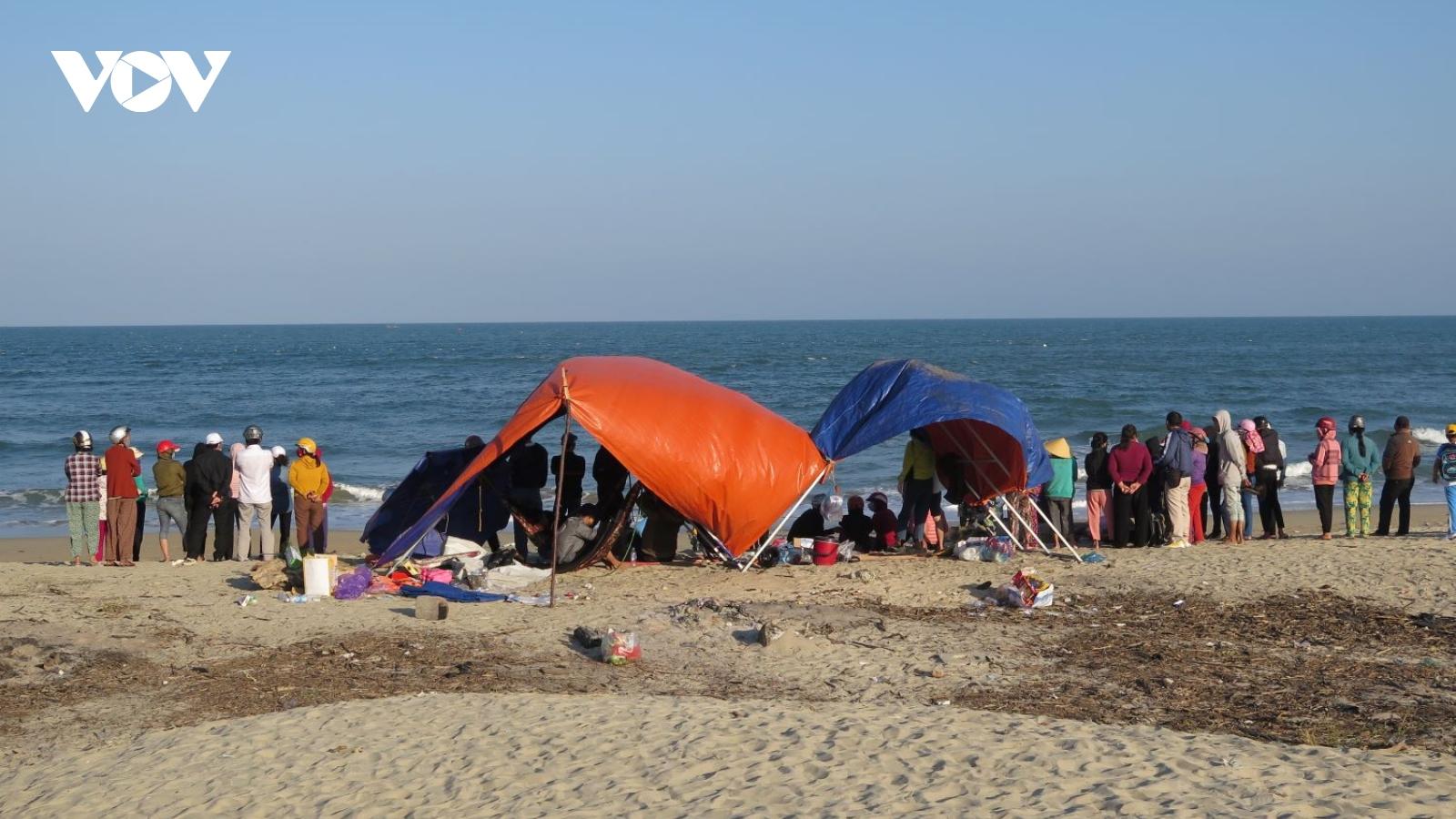 Tìm thấy thi thể 2 nạn nhân đuối nước tại biển Mỹ Khê,Quảng Ngãi