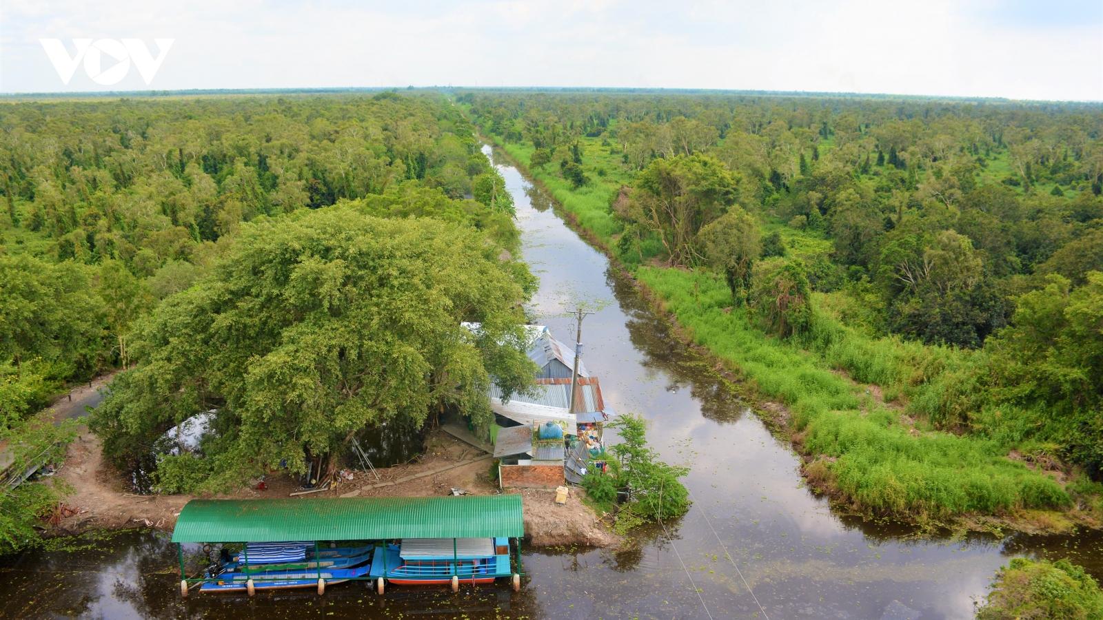 """Cà Mau phát triển du lịch sinh thái từ """"rừng vàng, biển bạc"""""""