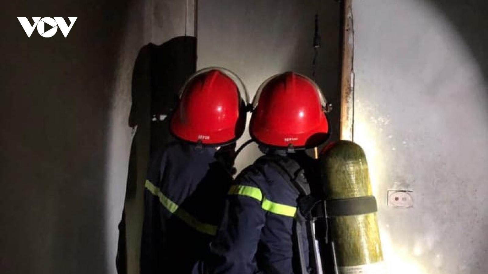 Mâu thuẫn, con trai phóng hỏa đốt luôn nhà 2 tầng của gia đình