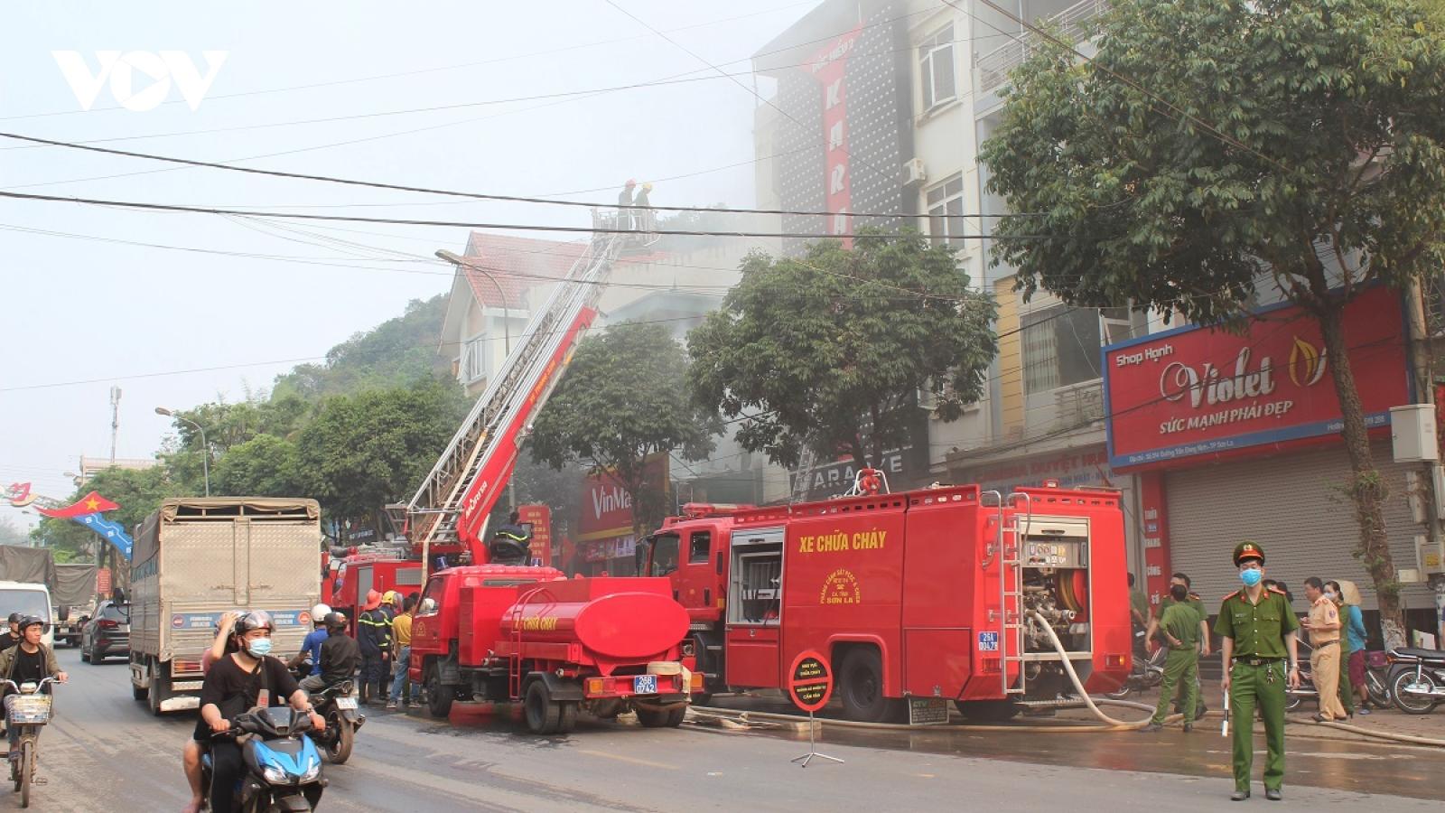 Cháy lớn tại quán Karaoke ở thành phố Sơn La