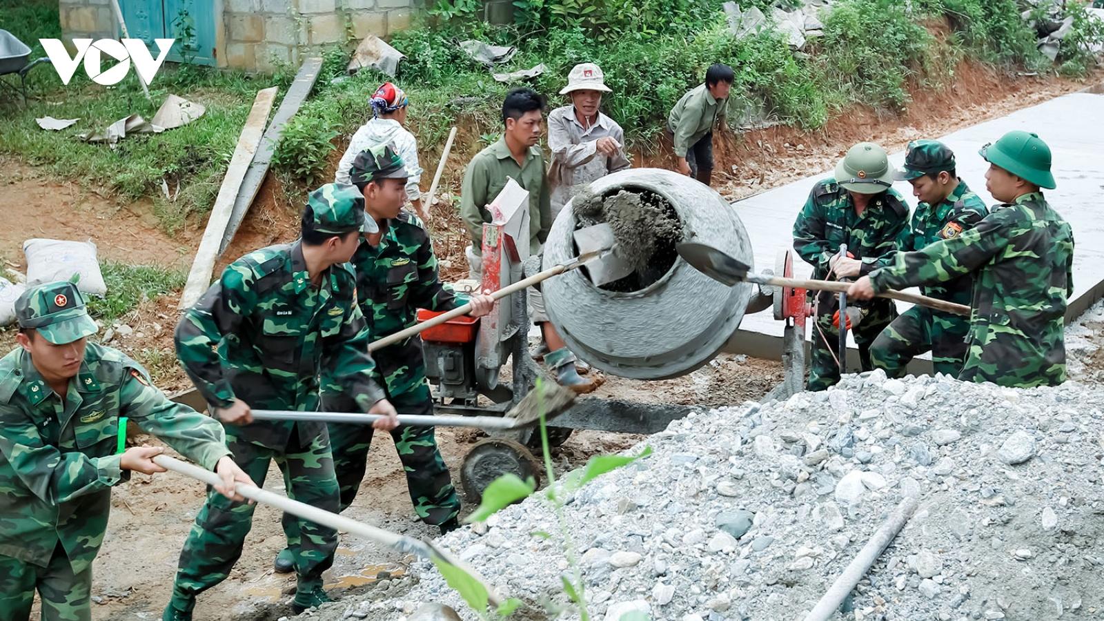 Những người lính quân hàm xanh trên biên giới Lào Cai
