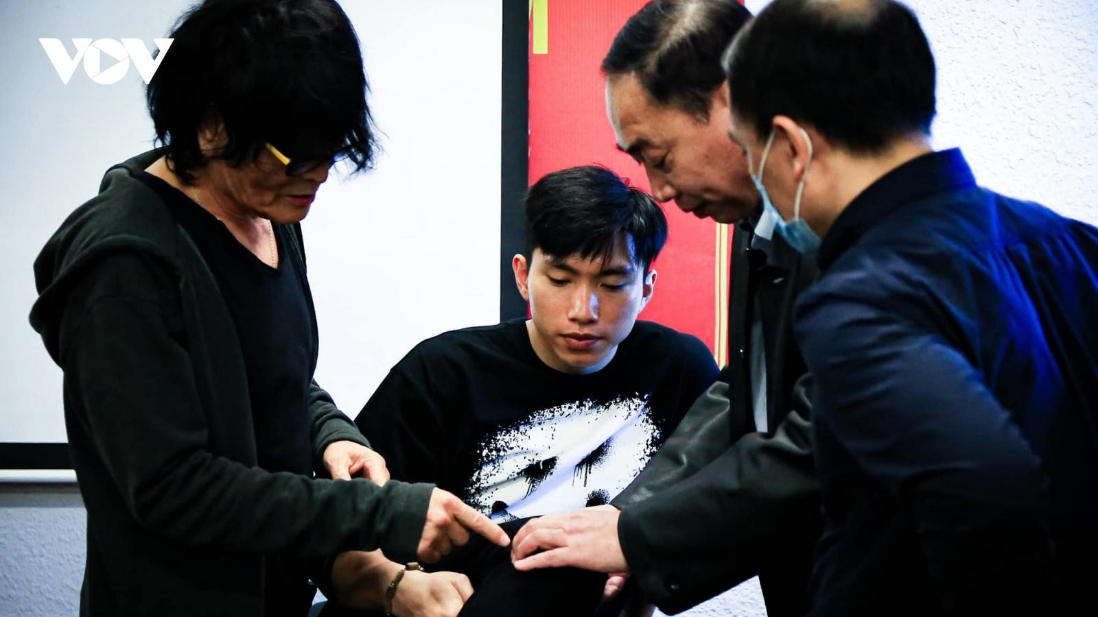 Hà Nội FC và ĐT Việt Nam đón tin cực vui từ Đoàn Văn Hậu
