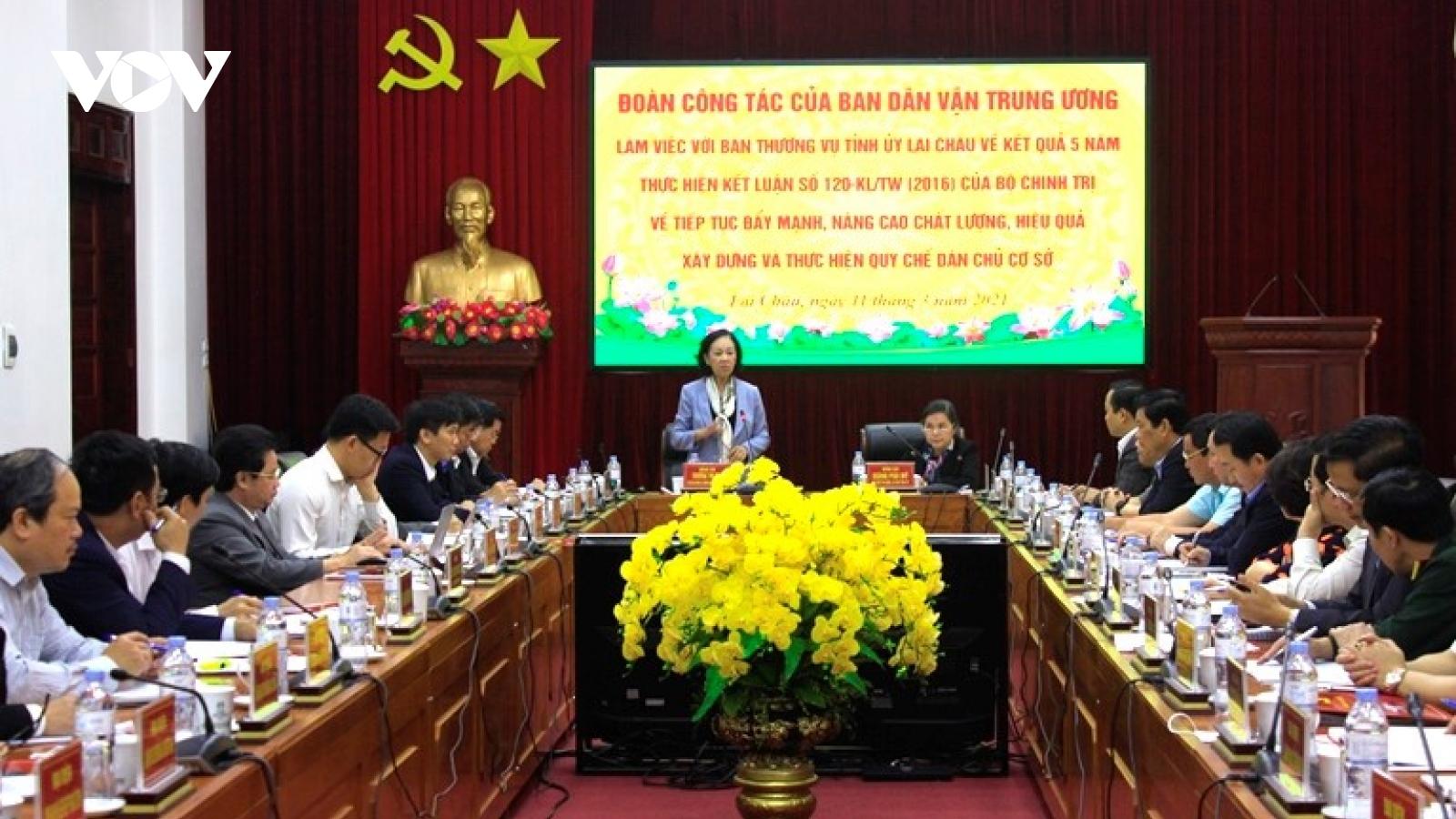 Trưởng Ban Dân vận Trung ương Trương Thị Mai làm việc tại Lai Châu