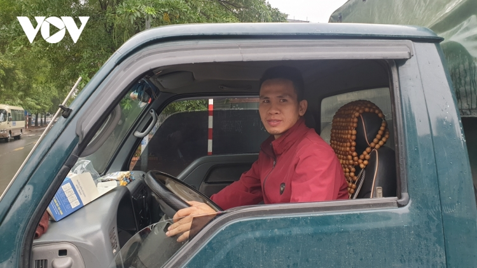 Chủ tịch TP Hà Nội quyết định khen thưởng đột xuất người cứu sống cháu bé rơi từ tầng 13