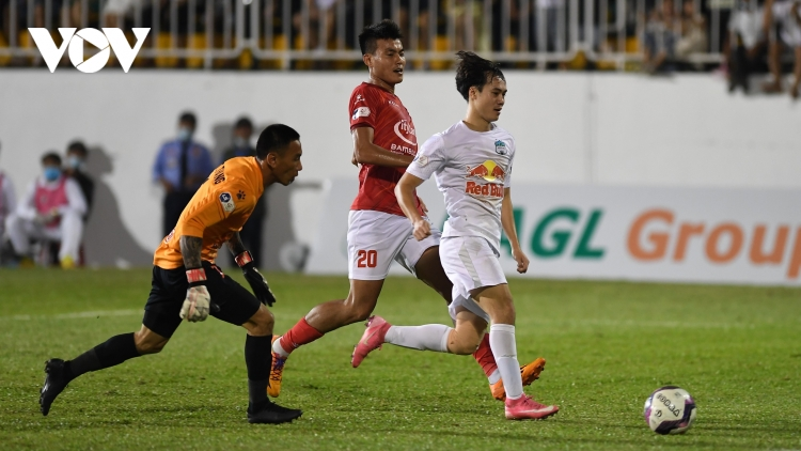"""5 điểm nhấn vòng 6 V-League 2021: HAGL làm nên chiến tích có """"1-0-2"""""""