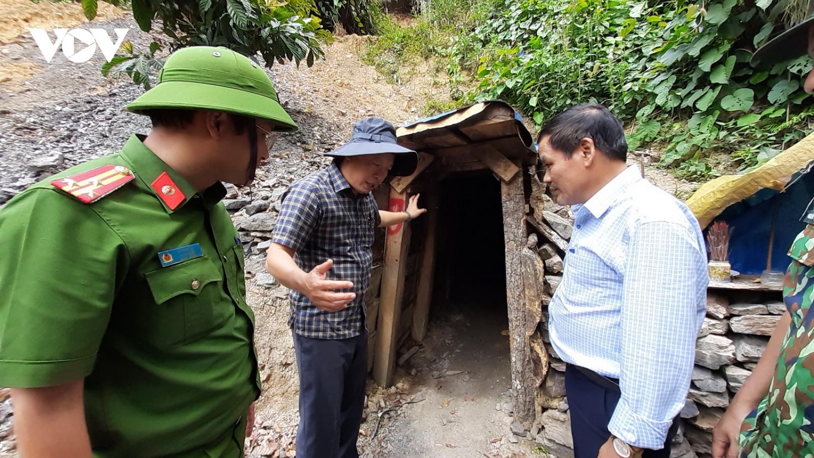 Kiểm tra các bãi vàng trái phéptại Vườn Quốc gia sông Thanh