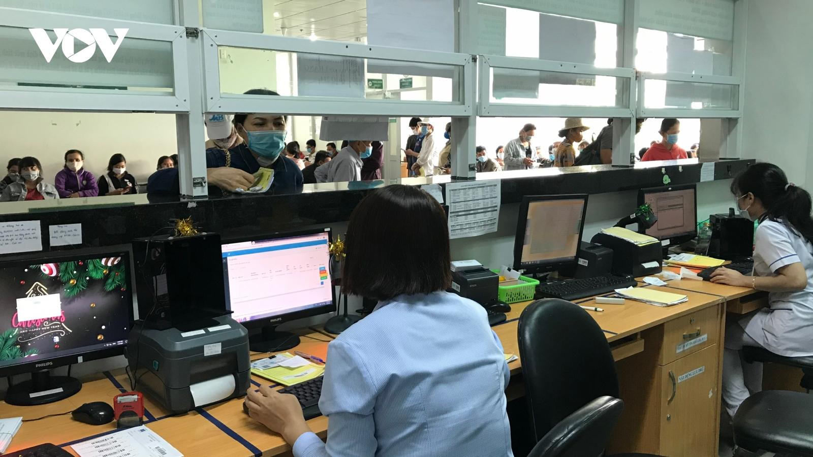 TP.HCM: Một người đi khám BHYT 80 lần trong 2 tháng đầu năm