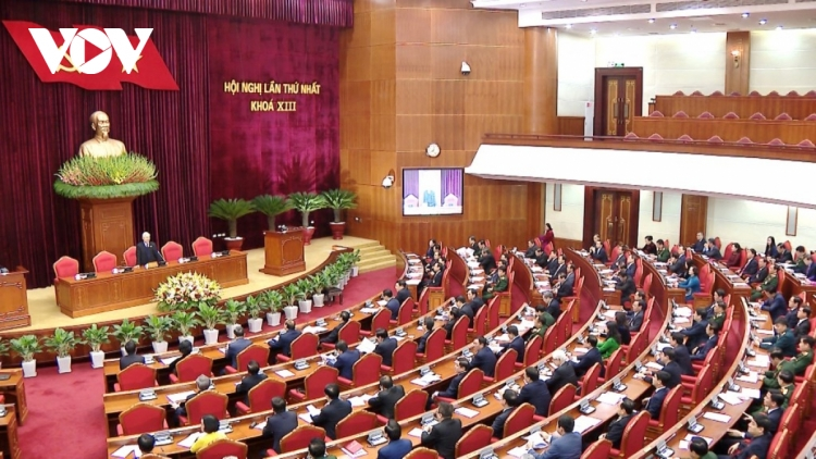 Politburo introduces candidates to key State positions