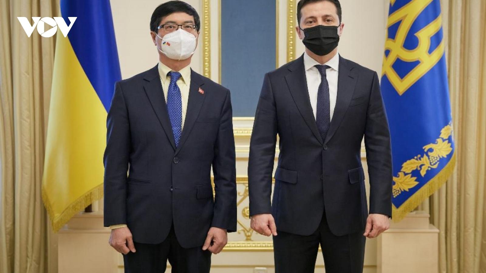 Ukrainian President praises Vietnam's achievements in renewal process