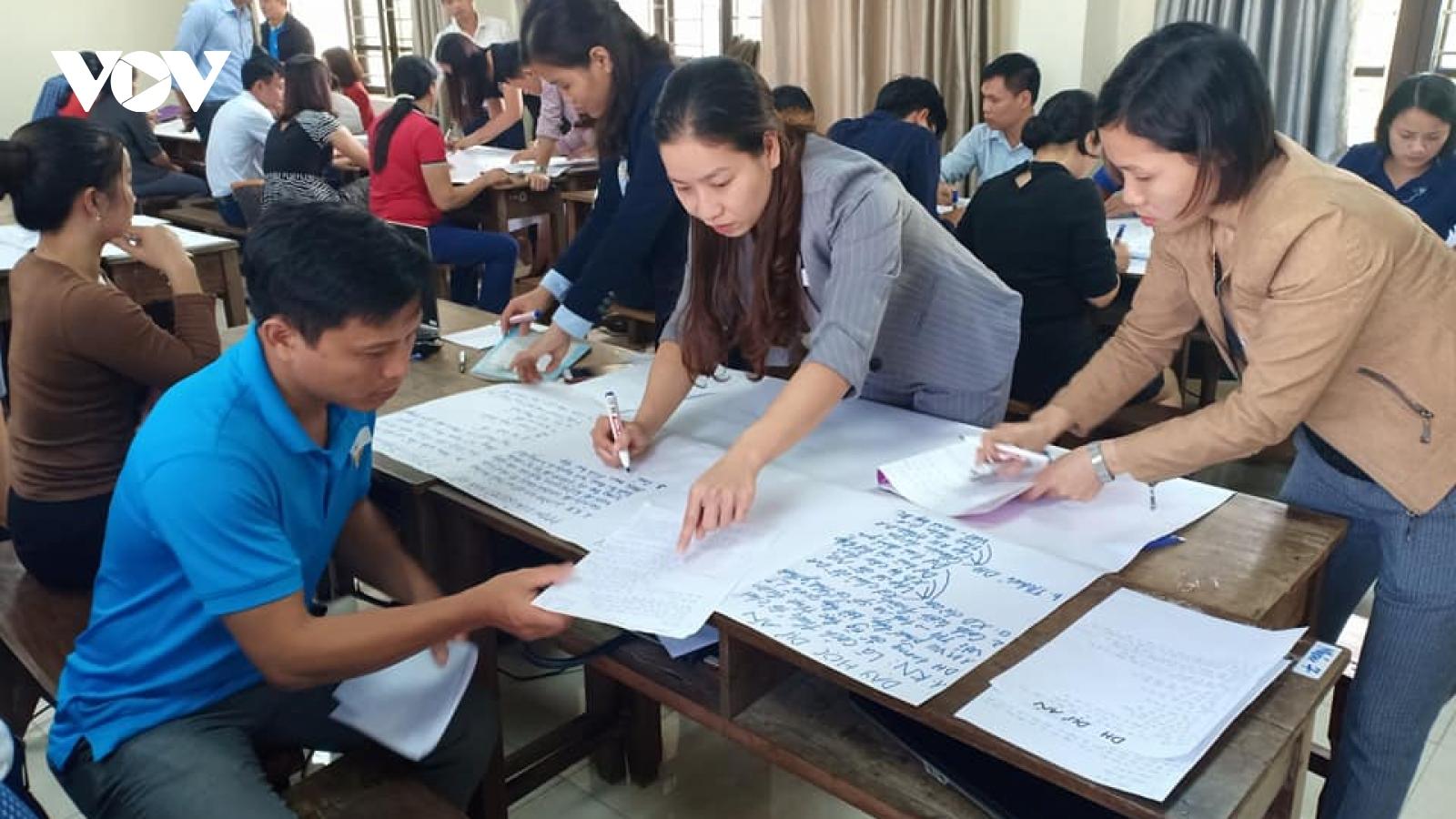 Bồi dưỡng nghiệp vụ kiểu mới, giáo viên hào hứng học online đến tận 12h đêm