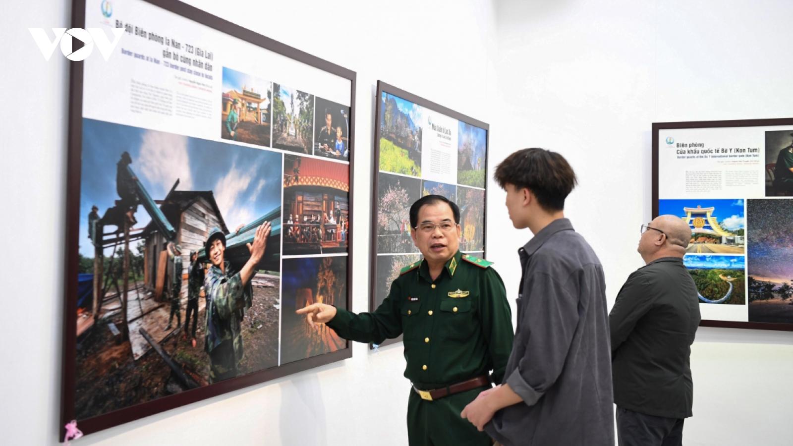 Border life vividly depicted at Hanoi photo exhibition