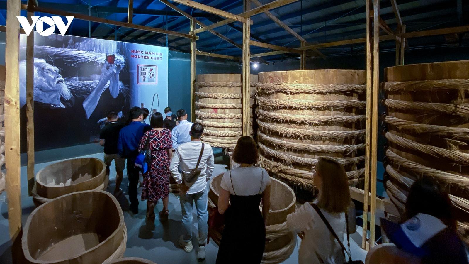 Tìm hiểu nghề làm mắm hàng trăm năm tại Phan Thiết