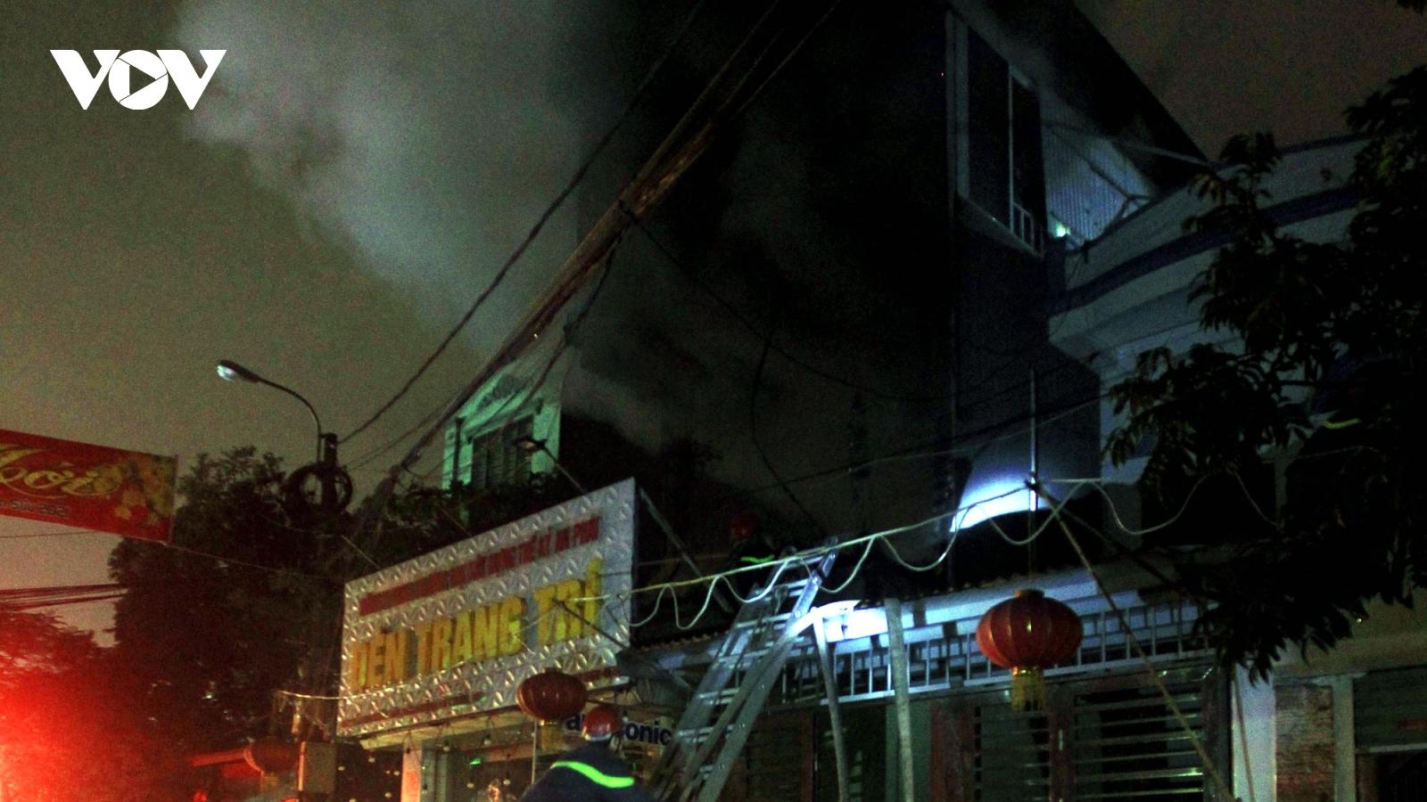 Cháy lớn tại Công ty thiết bị điện trên đường Thiên Lôi (Hải Phòng)