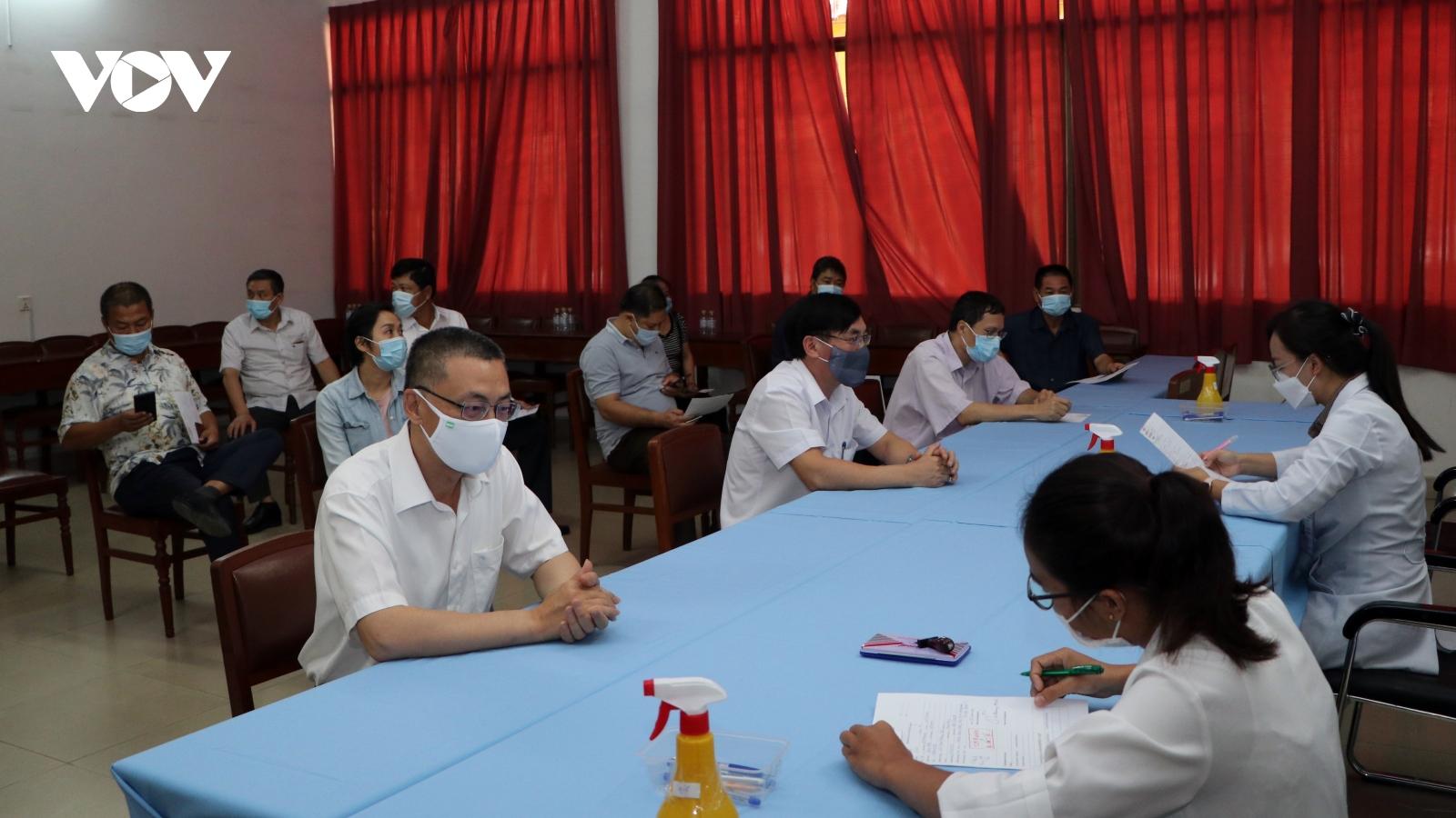 Campuchia tiêm vaccine ngừa Covid-19 cho cán bộ ngoại giao