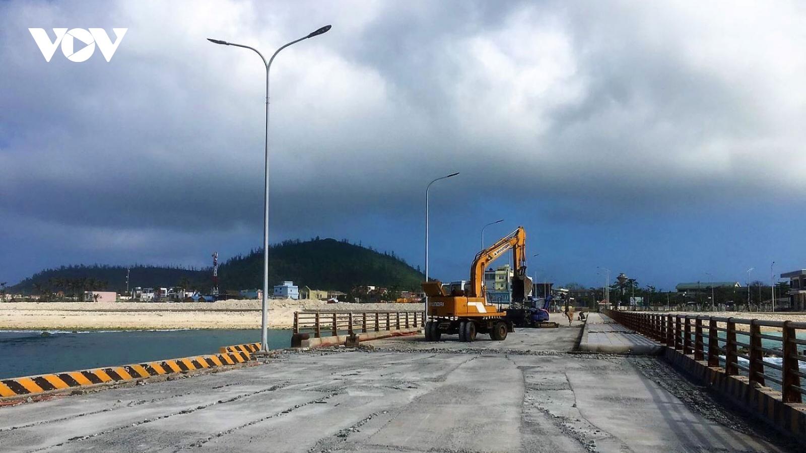 Cảng Bến Đình (Lý Sơn) khi nào mới hoàn thành đưa vào sử dụng?