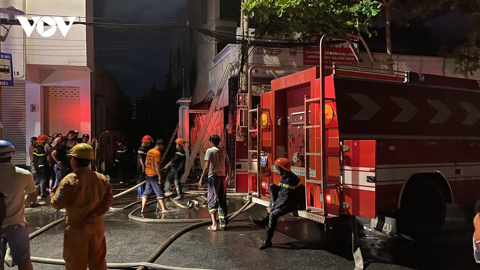Kịp thời dập tắt đám cháy một tiệm sửa xe gắn máy ở Vũng Tàu