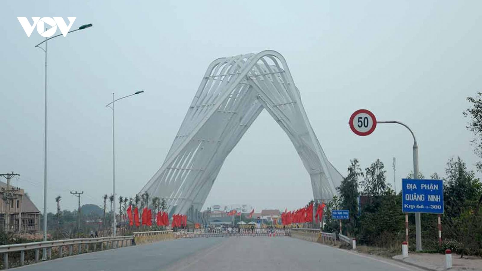 Thị xã Đông Triều (Quảng Ninh) tạm dừng hoạt động một sốchốt kiểm soát dịch Covid-19