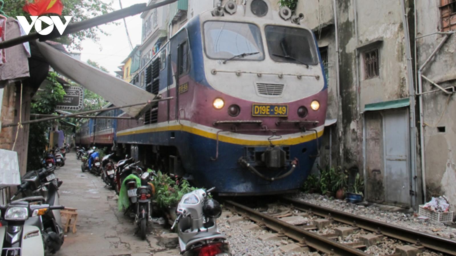 Đường sắt tụt hậu quá lâu và cần cuộc cách mạng để thay đổi