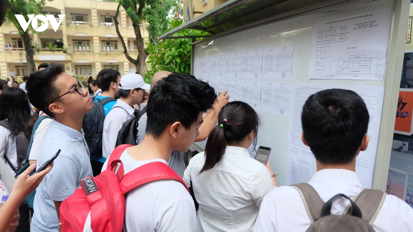 THPT chuyên Khoa học Tự nhiên thông báo lịch thi vào lớp 10 năm 2021