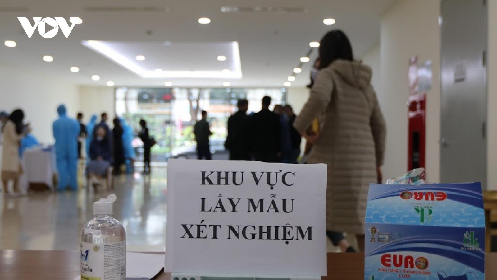 Hơn 10.000 đối tượng nguy cơ cao tại Hà Nộiâm tính với SARS-CoV-2