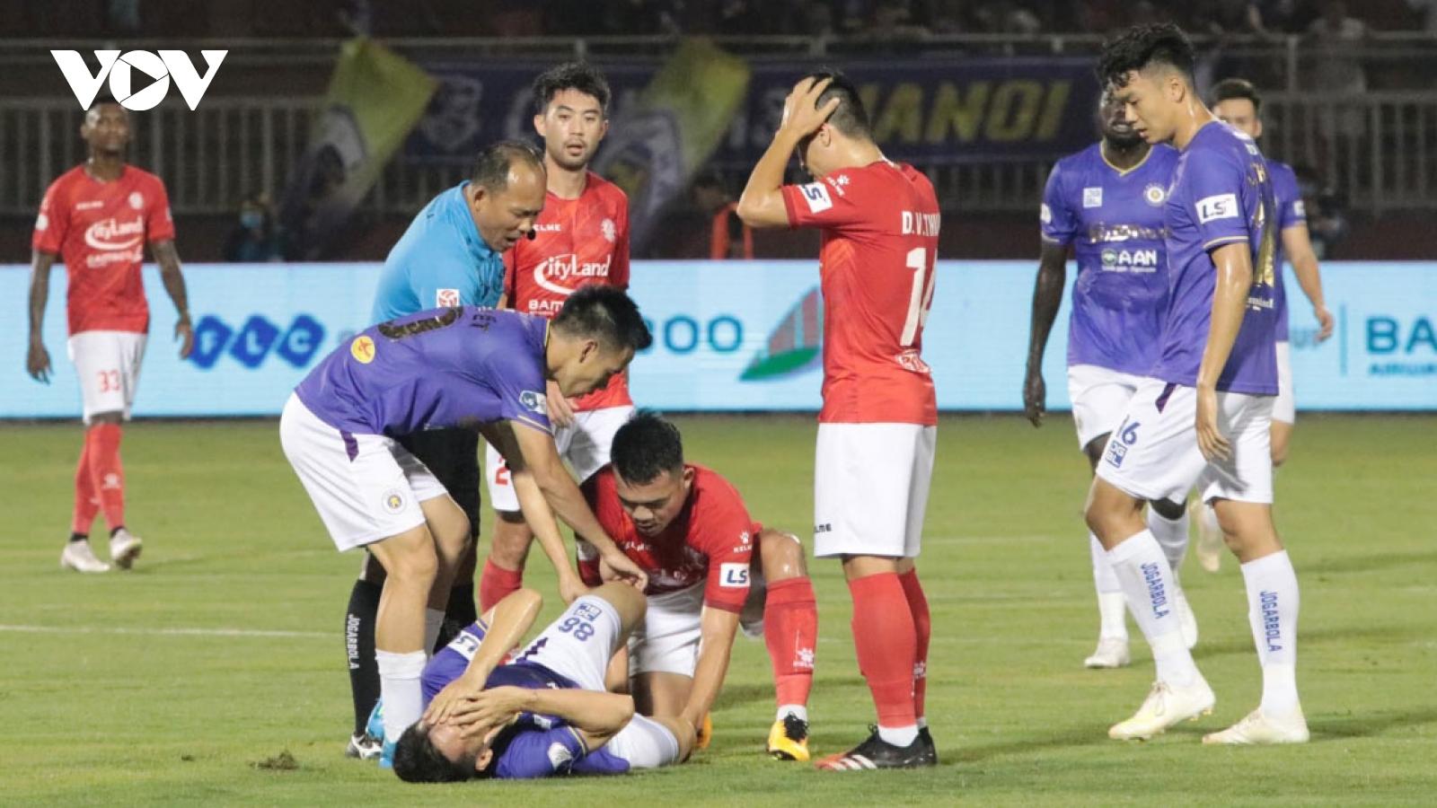 Int'l media express shock at V.League 1 horror challenge