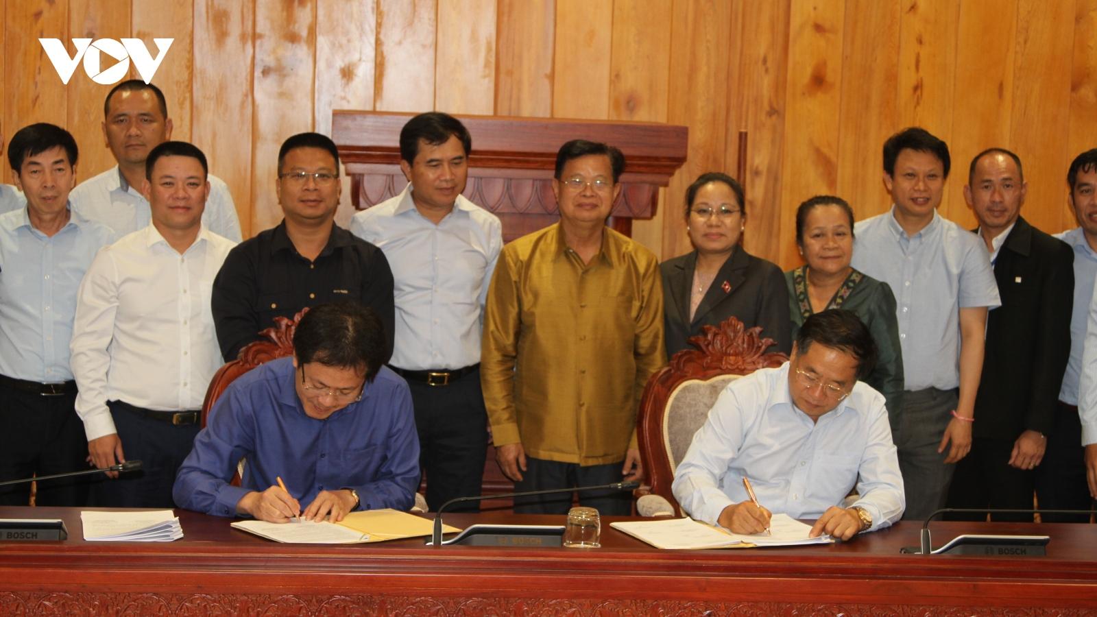 Nghiệm thu, bàn giao tạm thời một số hạng mục Nhà Quốc hội Lào mới