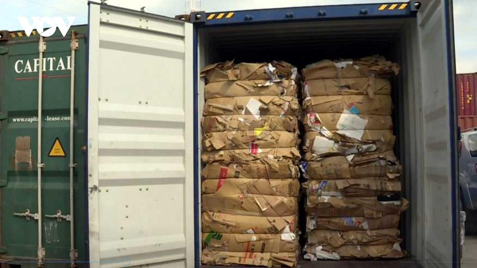 Hải quan TPHCM yêu cầu tái xuất 880 container phế liệu