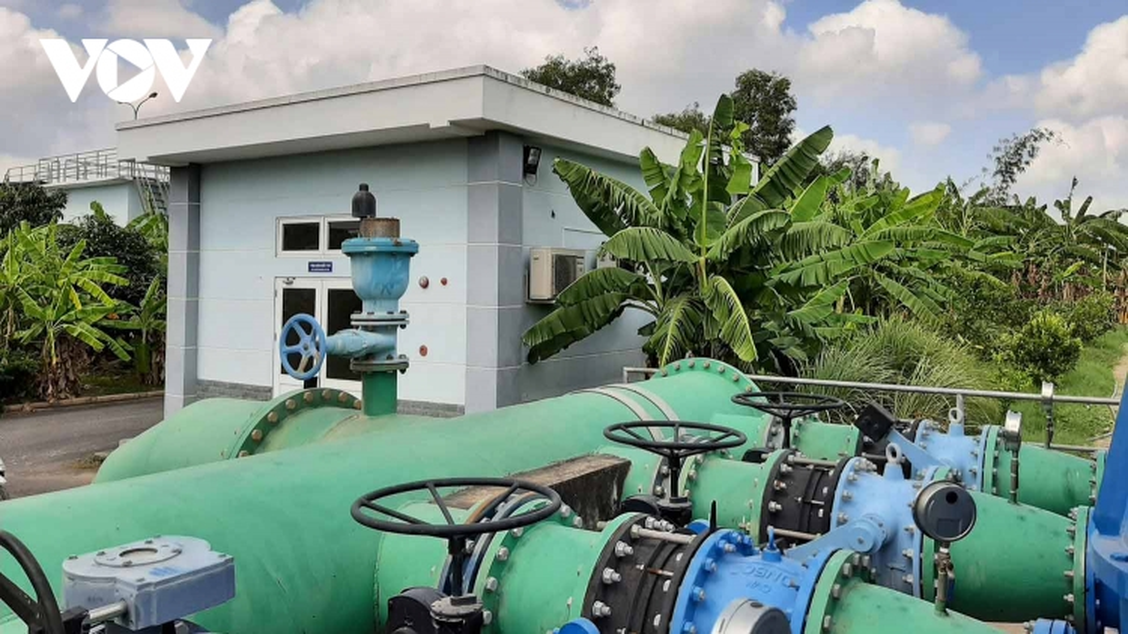 Nước sinh hoạt thiết yếu mùa khô cho người dân Tiền Giang bắt đầu khan hiếm