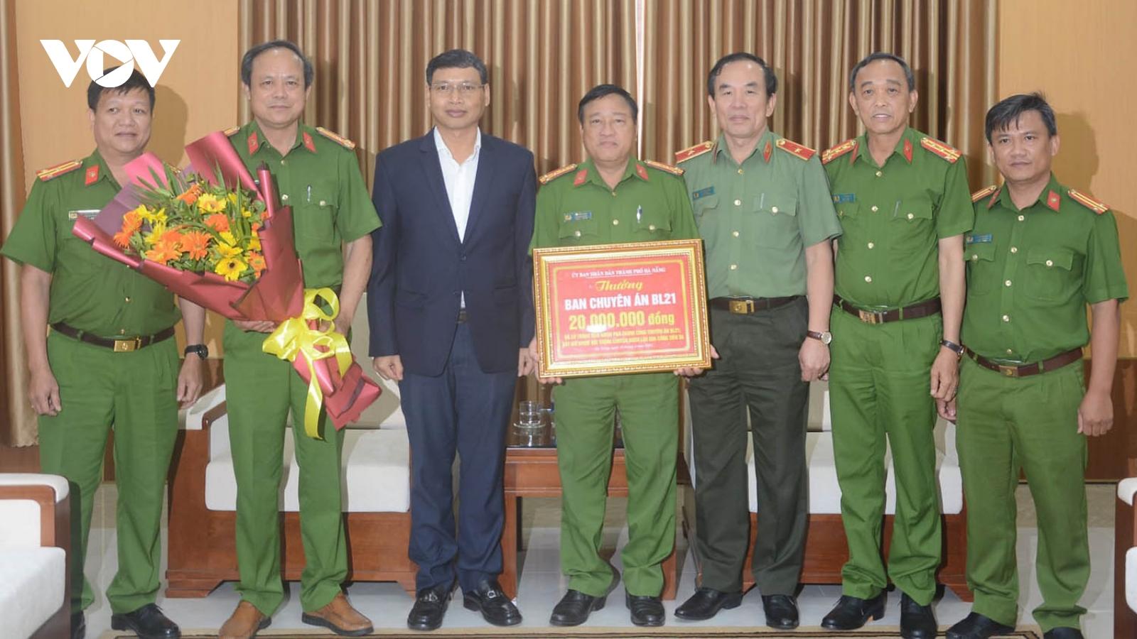 Đà Nẵng thưởng nóng ban chuyên án phá vụ buôn lậu qua cảng Tiên Sa