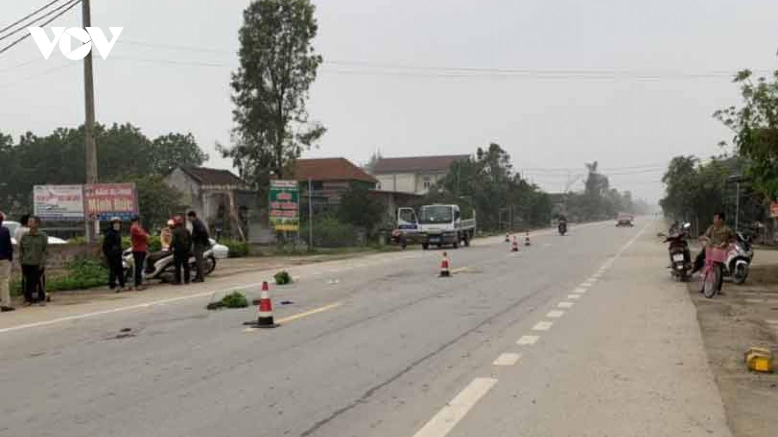 Nam thanh niên chạy xe máy điện tông chết người phụ nữ đi bộ rồi bỏ trốn
