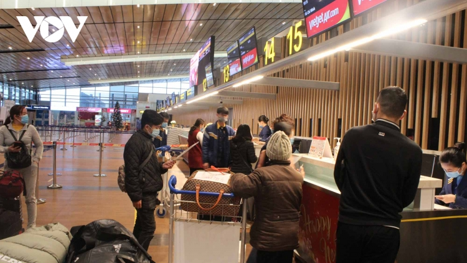 Cảng Hàng không quốc tế Vân Đồn ngày đầu mở cửa trở lại