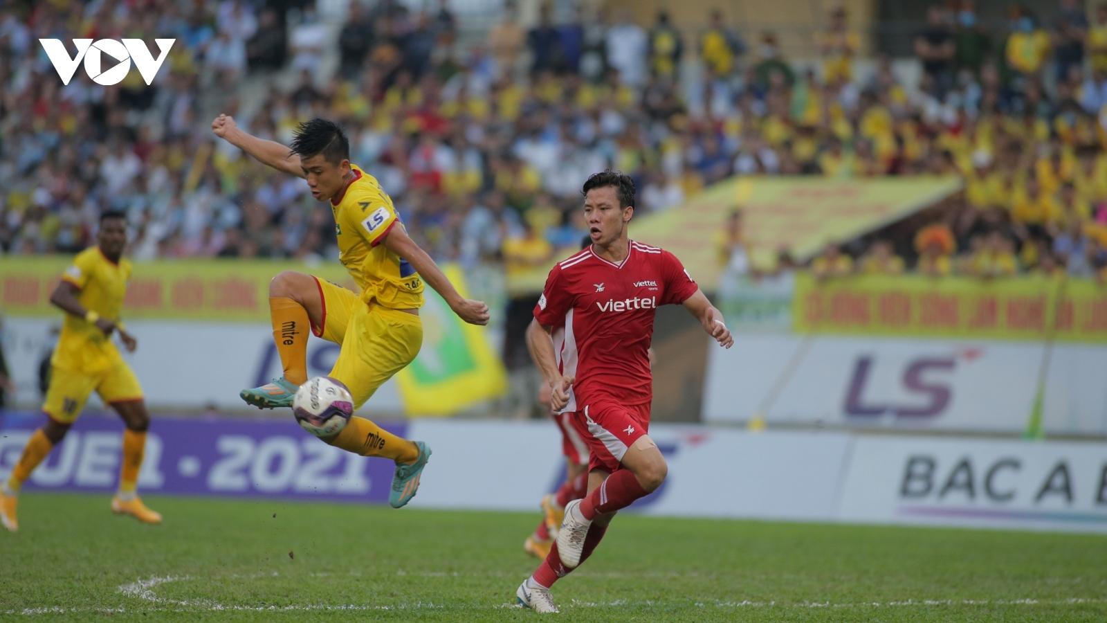 V-League 2021: Nam Định, Viettel, Than Quảng Ninh ca khúc khải hoàn