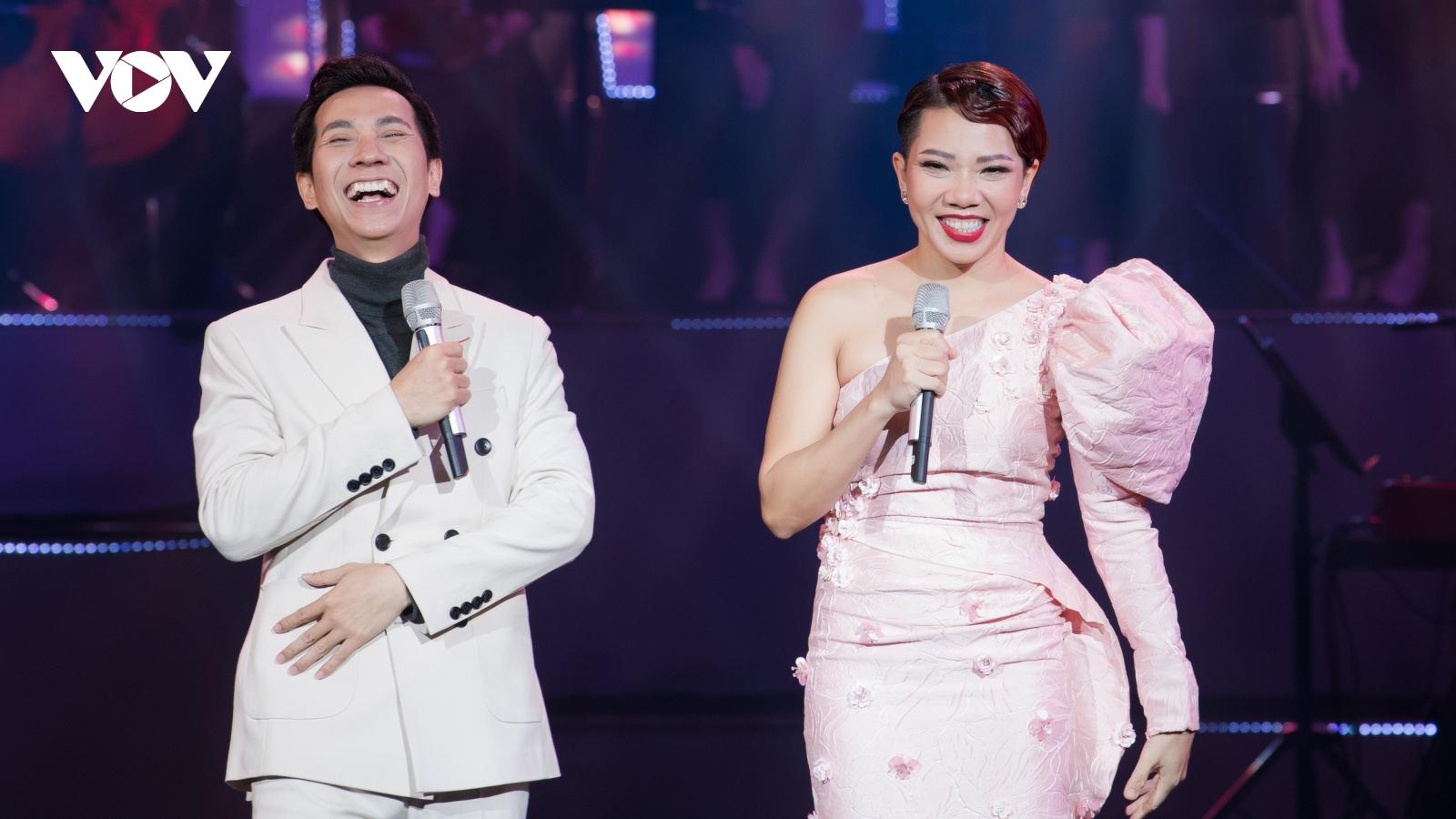 Diva Hà Trần khen Lê Anh Dũng có giọng đẹp, đậm chất quý ông