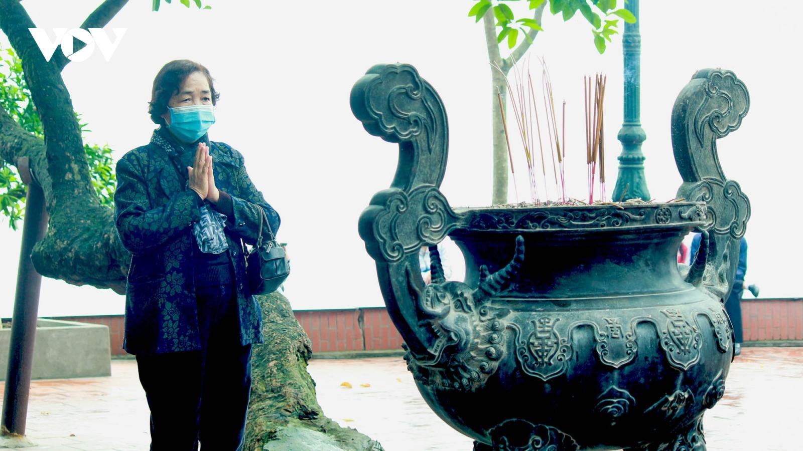 Chùa chiền ở Hà Nội được mở cửa trở lại và đảm bảo phòng chống dịch