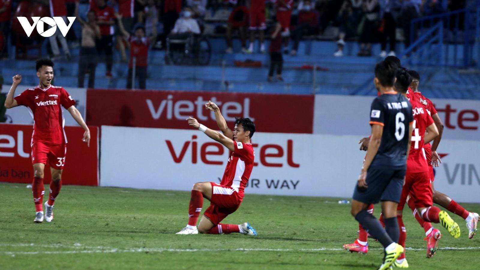 Chùm ảnh: Quế Ngọc Hải ghi bàn đầu tiên, Viettel đã biết thắng ở V-League
