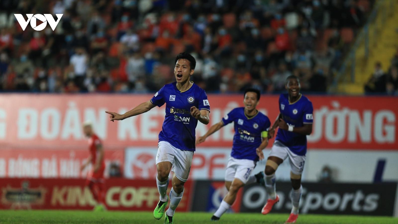 Tấn Trường cản phá thành công phạt đền, Hà Nội FC thắng trận đầu tiên ở V-League 2021
