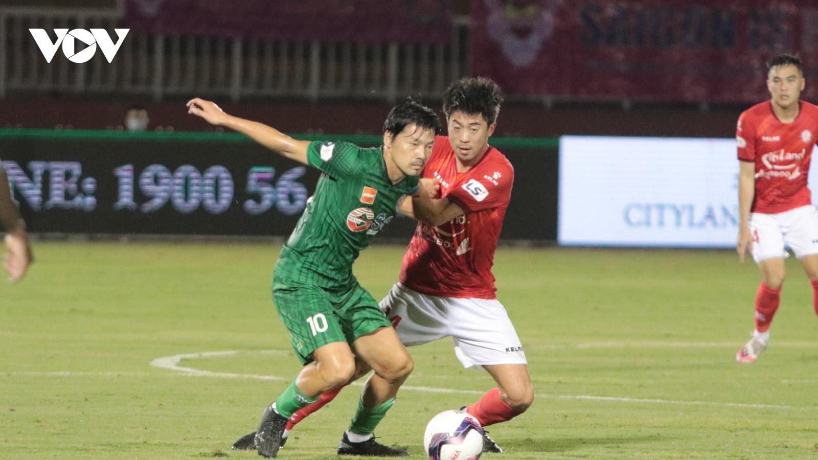 Lee Nguyễn ghi bàn ở phút 90+9, TPHCM gieo sầu cho Sài Gòn FC