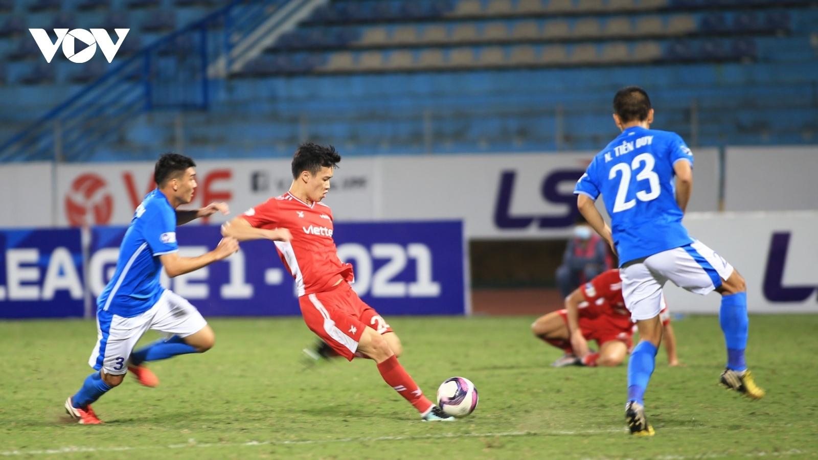 """Viettel thắng 5 trận liên tiếp, HLV Việt Hoàng """"thách đấu"""" HAGL"""