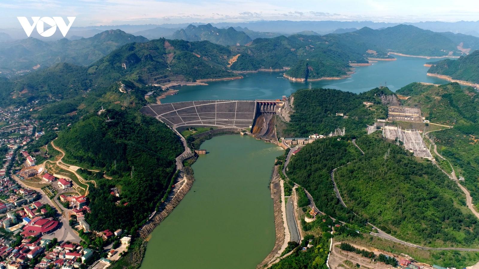 Chính sách và nguồn vốn làm khó quá trình chuyển dịch năng lượng