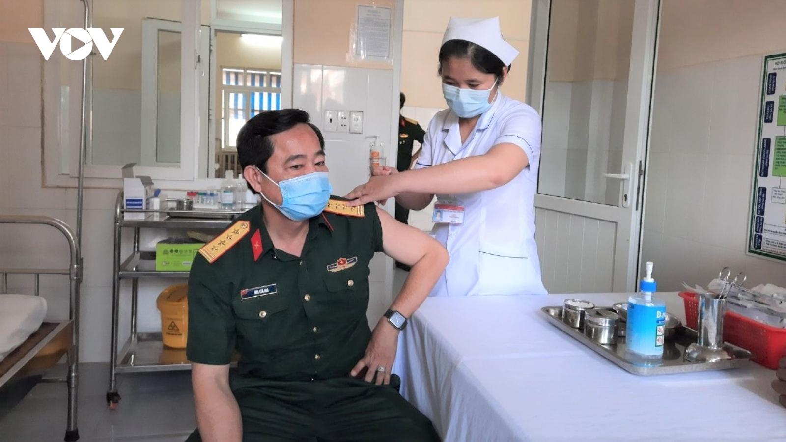 Hơn 366.000 người thuộc nhóm đối tượng ưu tiên ở Tiền Giang sẽ được tiêm phòng Covid-19