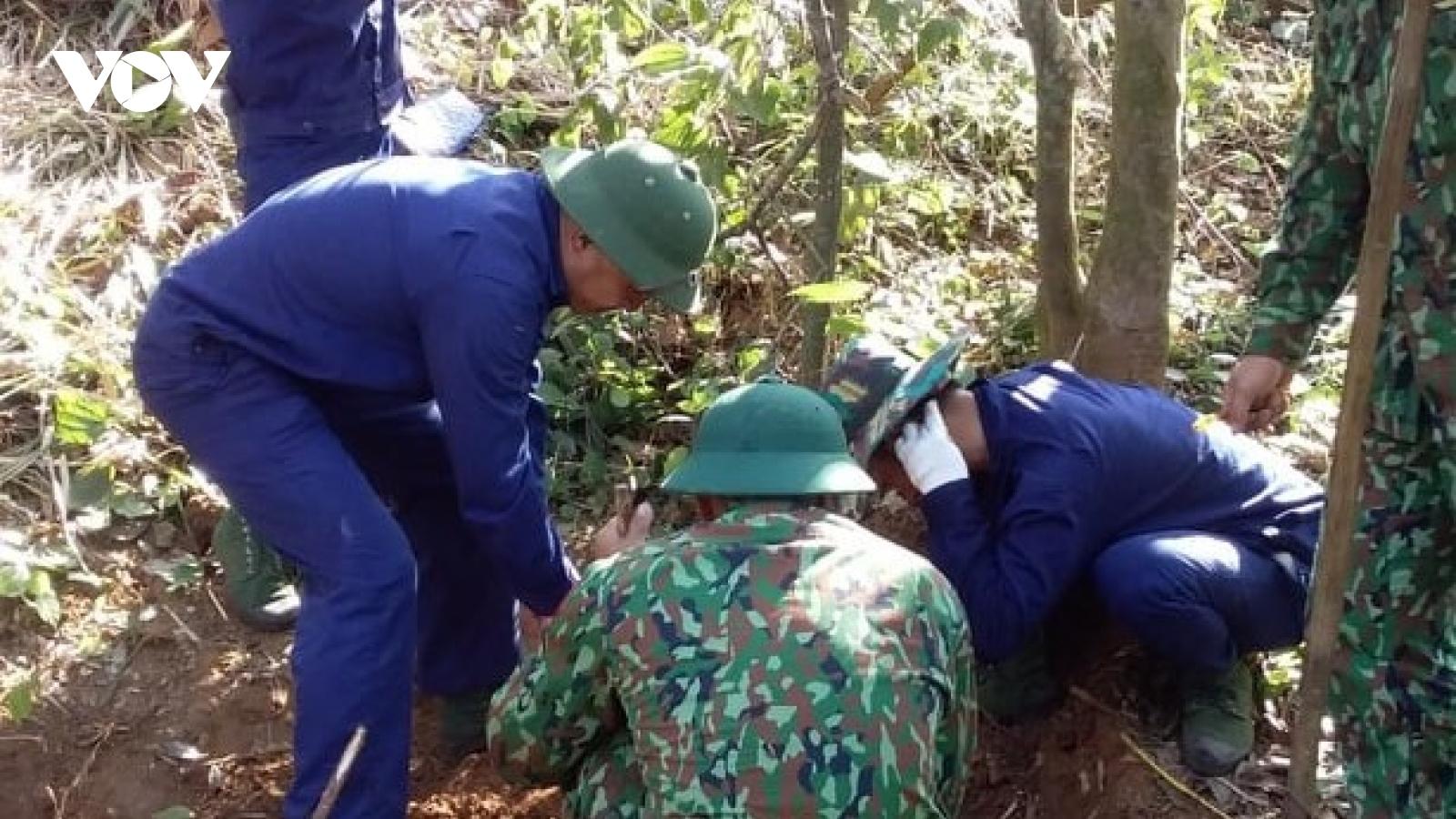 Tìm thấy 2 hài cốt liệt sỹ tại điểm cao 500 xã Tân Liên, huyện Hướng Hóa