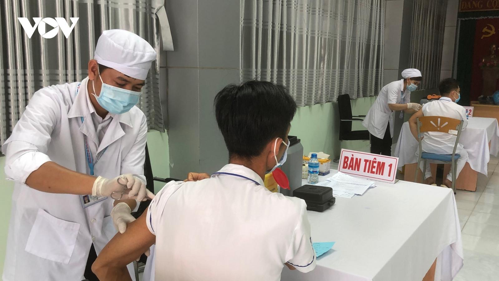 Đồng Tháp, Hậu Giang bắt đầu tiêm vaccine phòng Covid-19