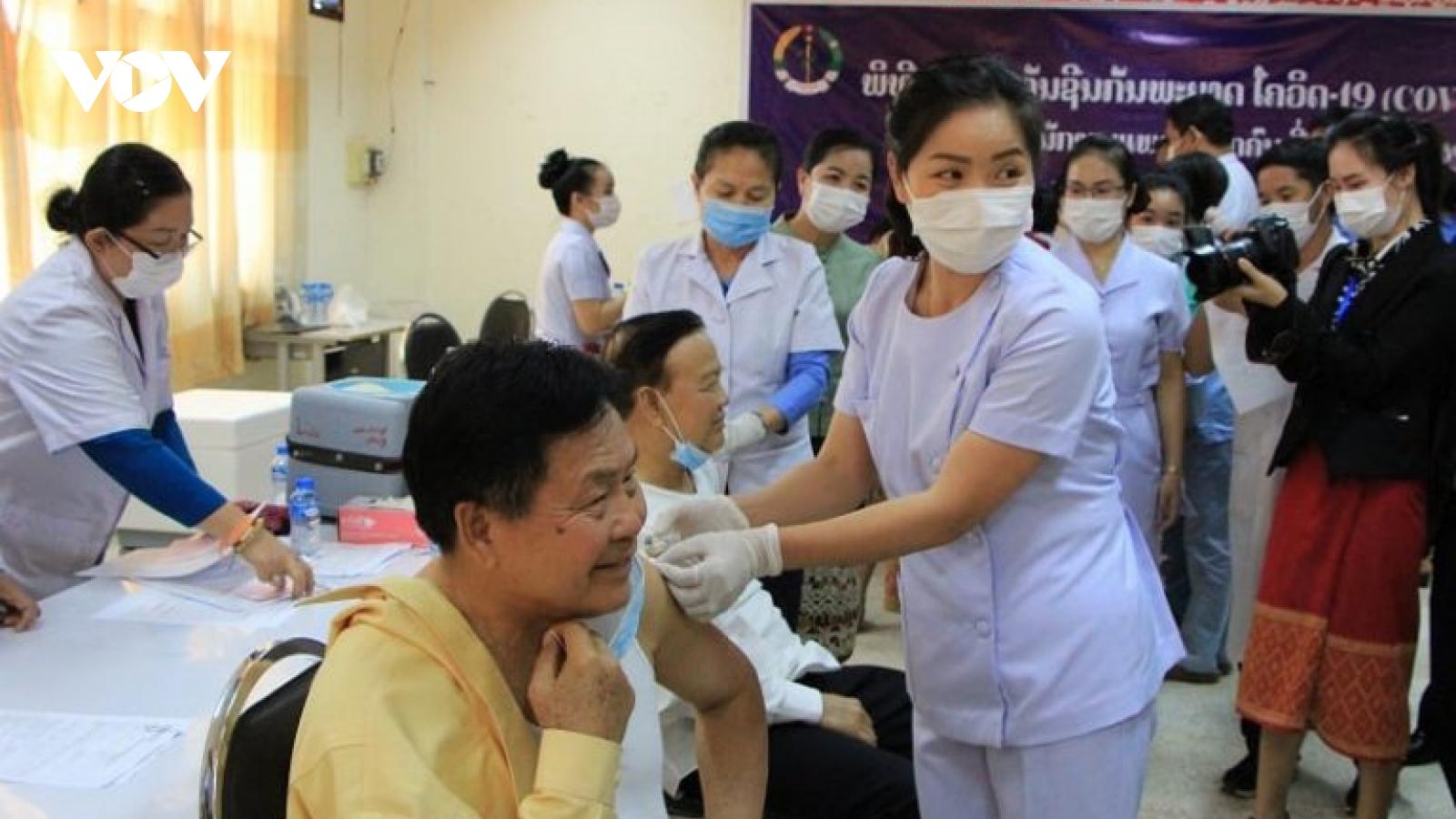 Lào tiếp tục thực hiện các biện pháp phòng Covid-19 đến hết tháng 5