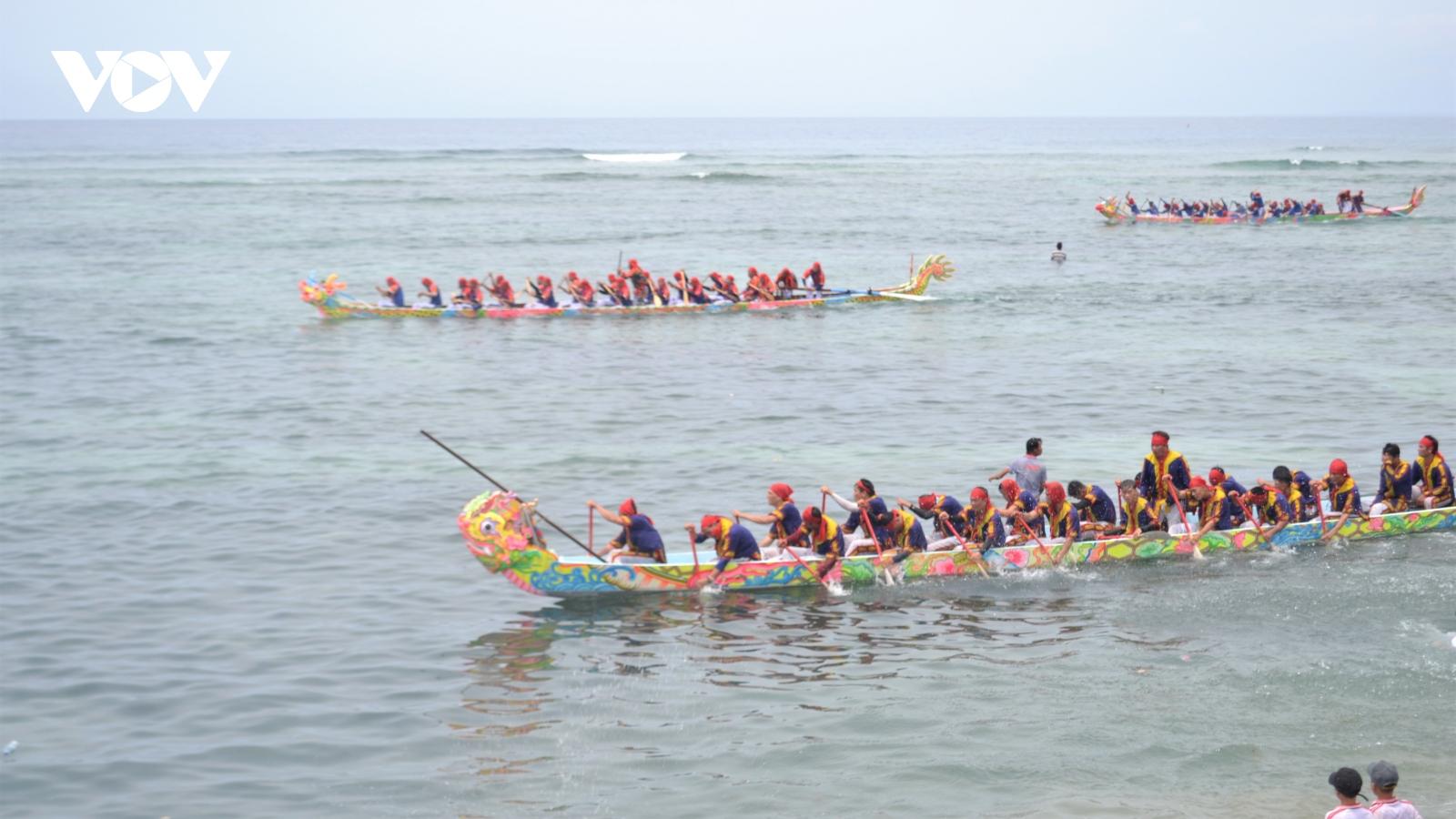 Lý Sơn đón bằng Di sản văn hóa phi vật thể quốc gia Lễ hội đua thuyền Tứ linh