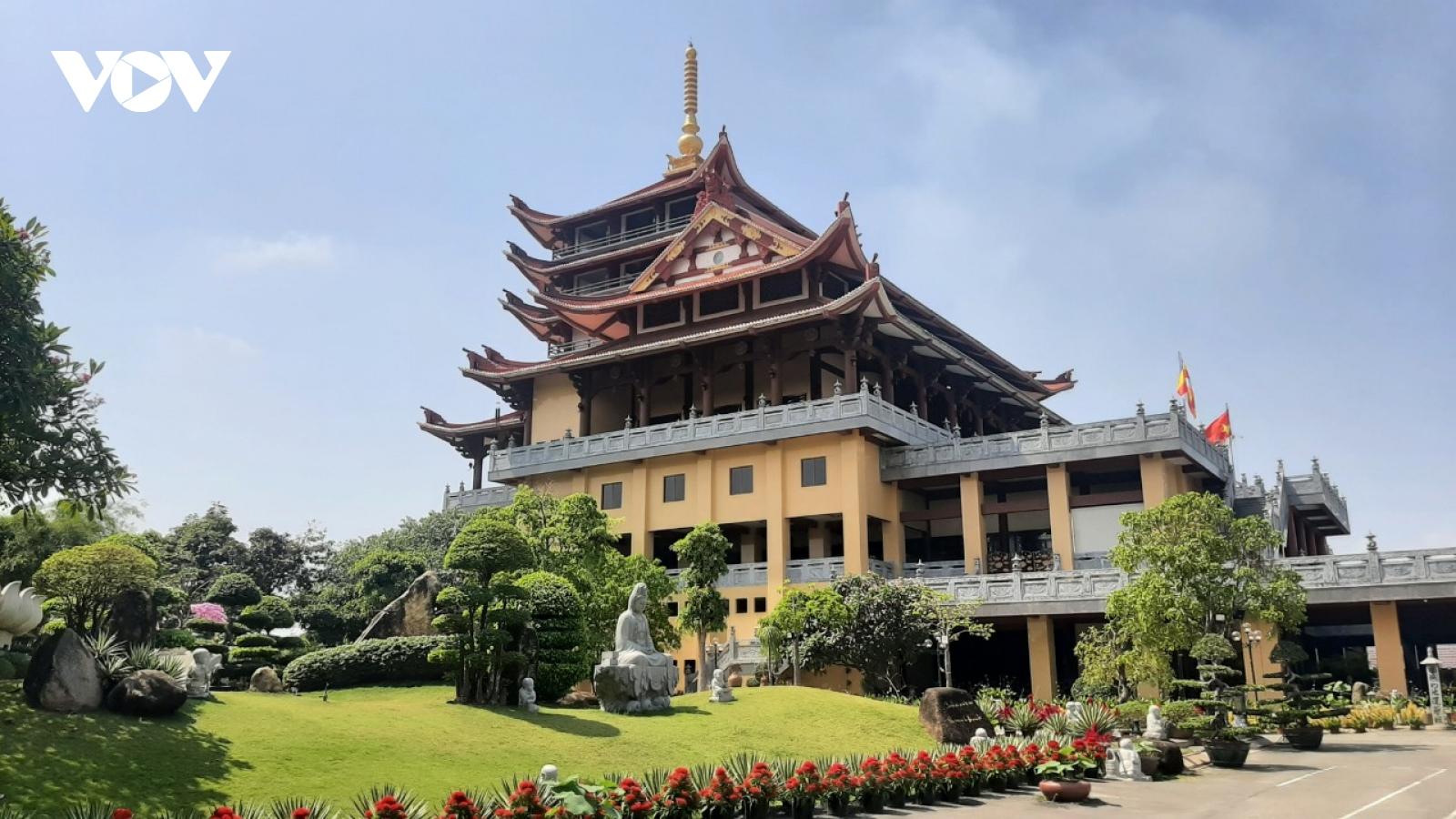 Thăm ngôi chùa có khuôn viên rộng tới 20.000 m2