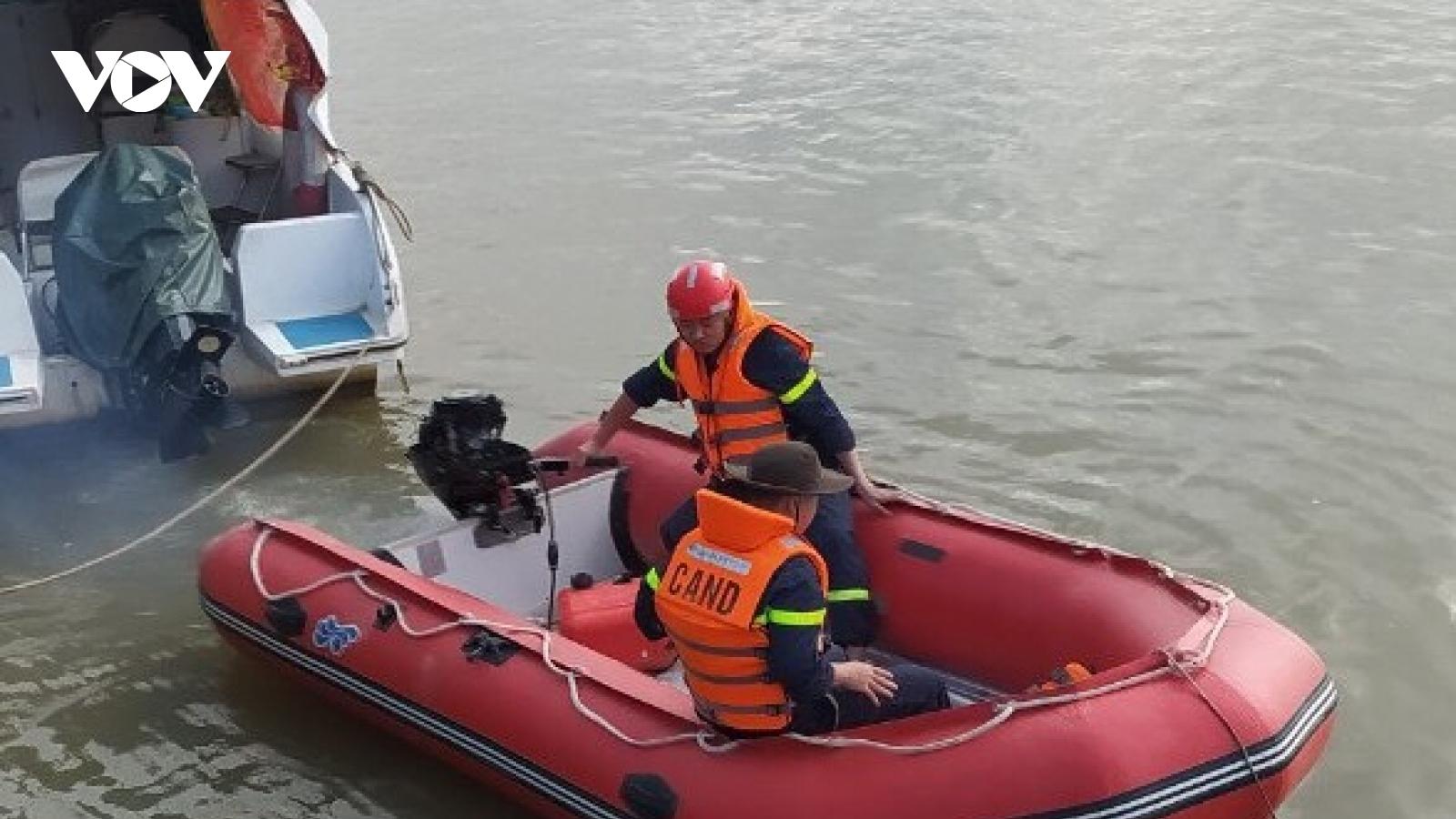 Tìm thấy thi thể người phụ nữ nhảy cầu Bến Thủy 1 trong đêm